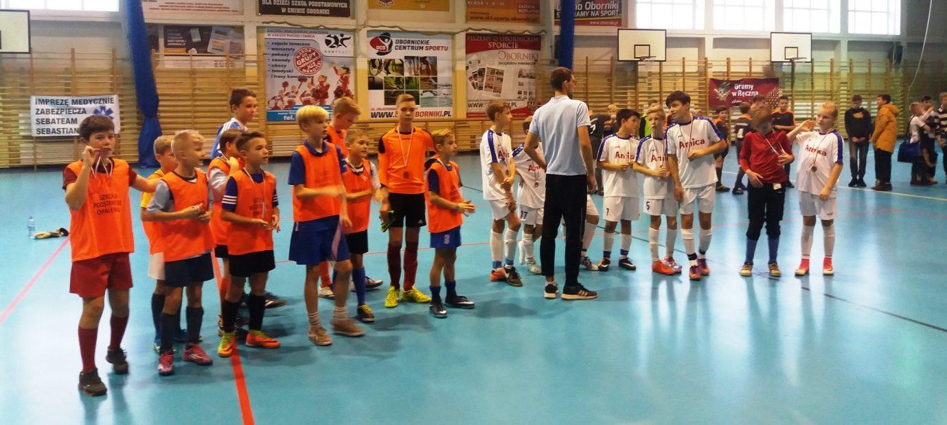III miejsce drużyny chłopców ze szkoły Podstawowej z Oddziałami Dwujęzycznymi w Opalenicy na Mistrzostwach Rejonu w Halowej Piłce Nożnej
