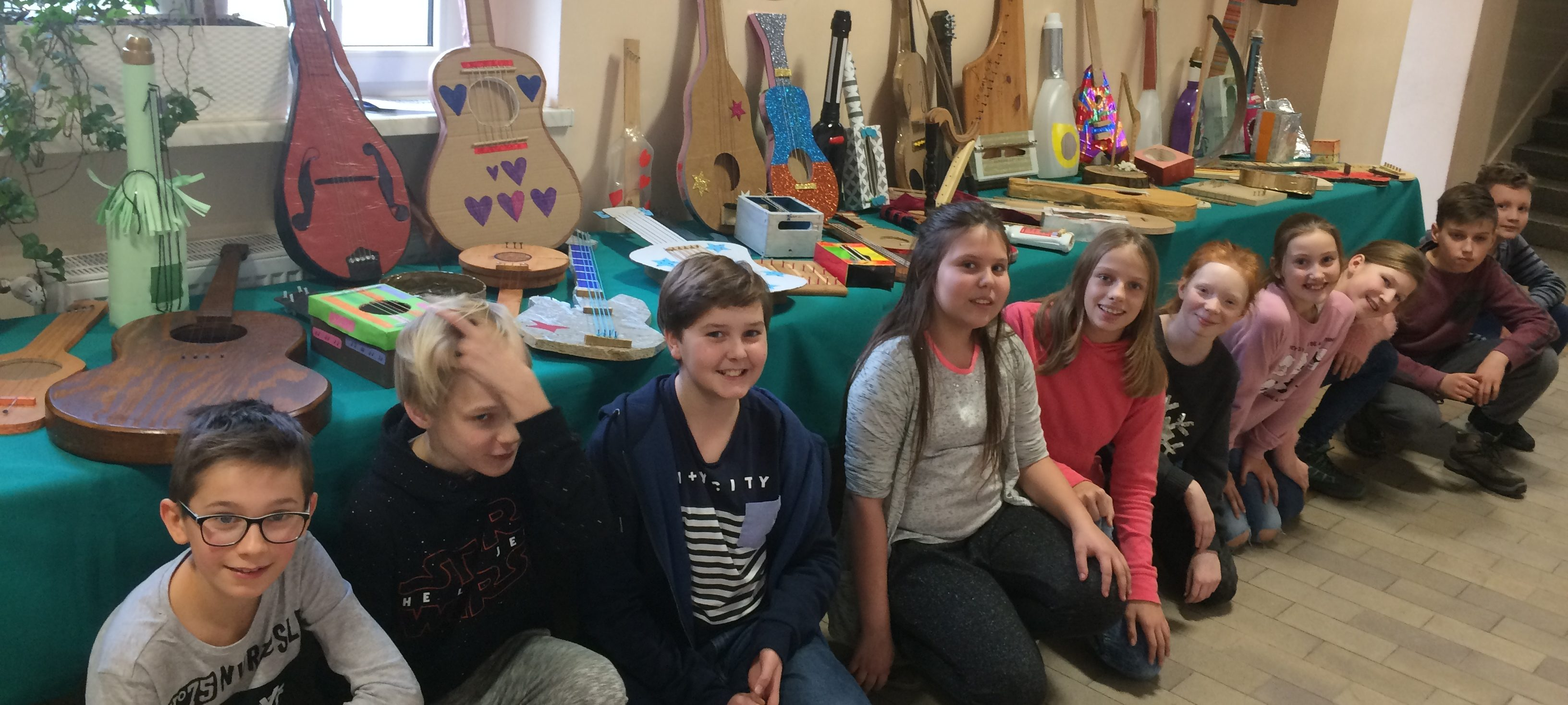 Wystawa modeli instrumentów strunowych