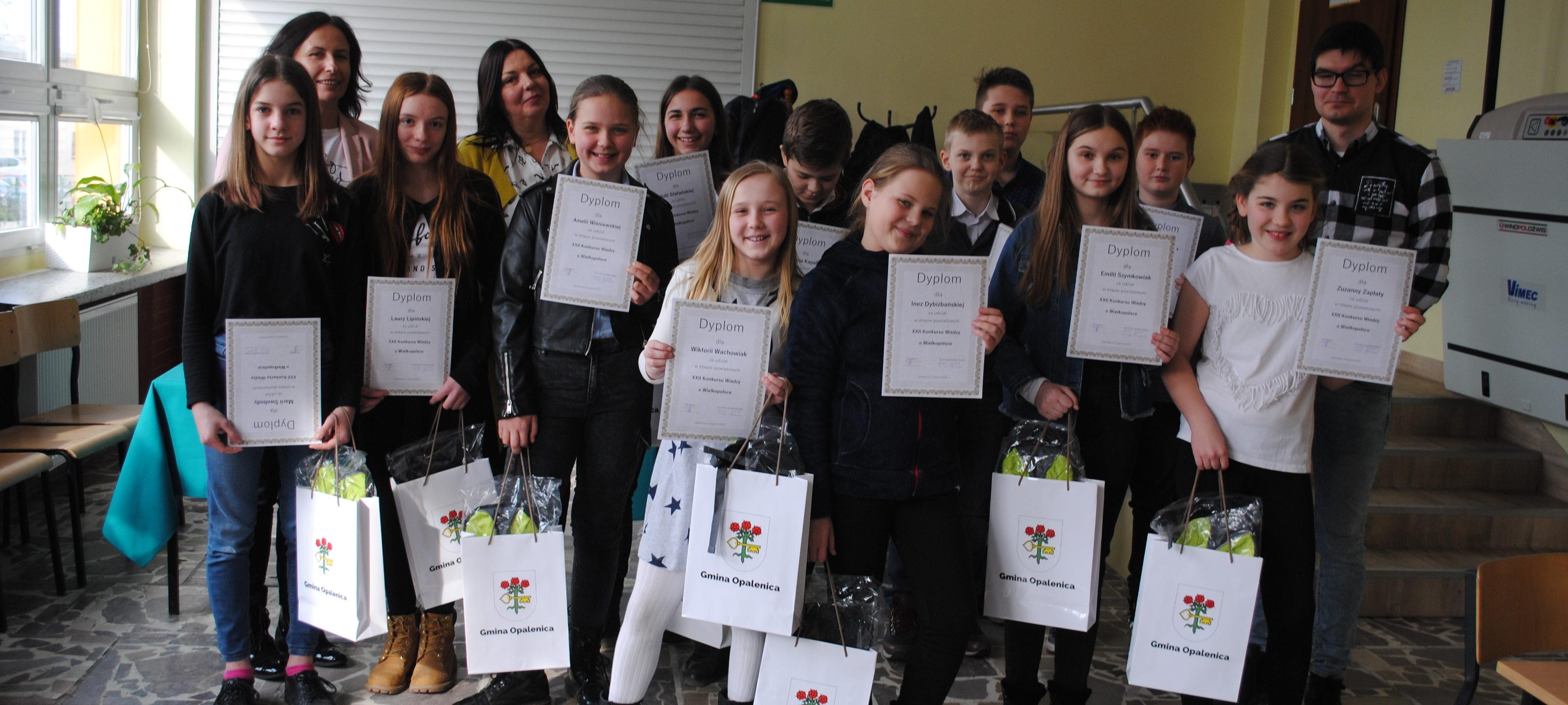 Sukces uczniów Szkoły Podstawowej z Oddziałami Dwujęzycznymi w Opalenicy w zmaganiach powiatowych XXIIKonkursu Wiedzy o Wielkopolsce