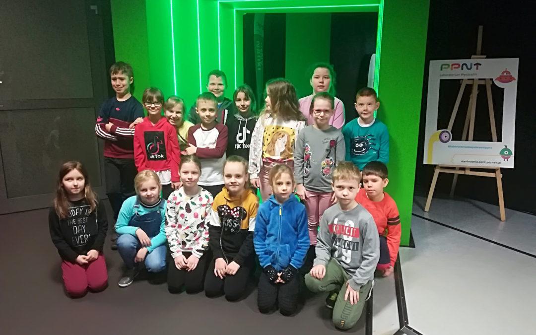 Wycieczka do Laboratorium Wyobraźni Poznańskiego Parku Naukowo-Technologicznego Fundacji UAM KLASA 2B