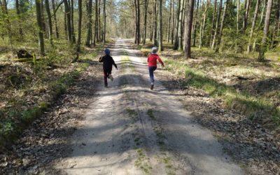 Różne formy aktywności ruchowej dzieci kl.1e w czasie pandemii