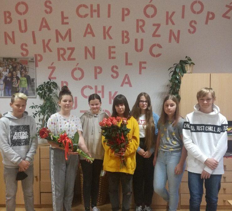 Jesteśmy wdzięczni i zawsze pamiętamy o pracownikach naszej szkoły :-)