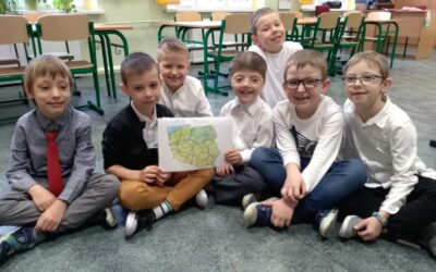 Najmłodsze dzieci z naszej Szkoły upamiętniły Święta Majowe